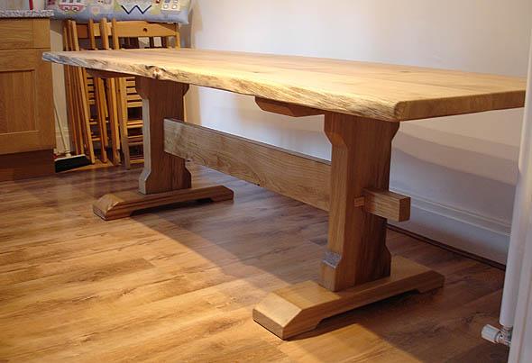 Bespoke Green Oak : table3 from www.bespokegreenoak.co.uk size 590 x 403 jpeg 59kB